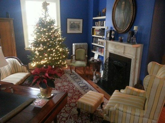 Carolina Bed & Breakfast: another sitting area in the house