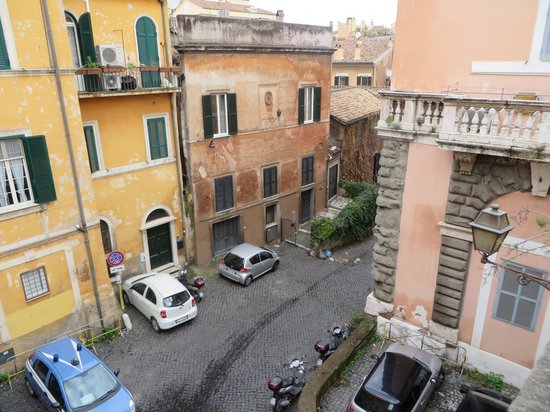 Residenza Arco dei Tolomei: View from our private balcony