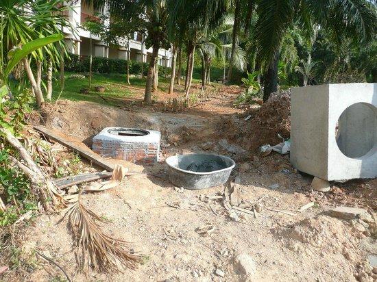Krabi Resort : Construction on the territory