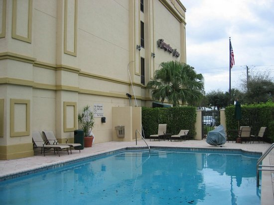 Hampton Inn Palm Beach Gardens : Court Yard