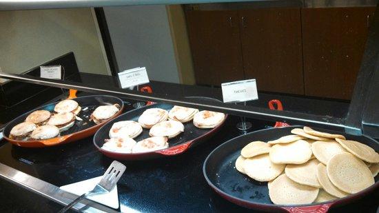 Hyatt Place Orlando Airport: Skillet Breakfast Items..Delicious!