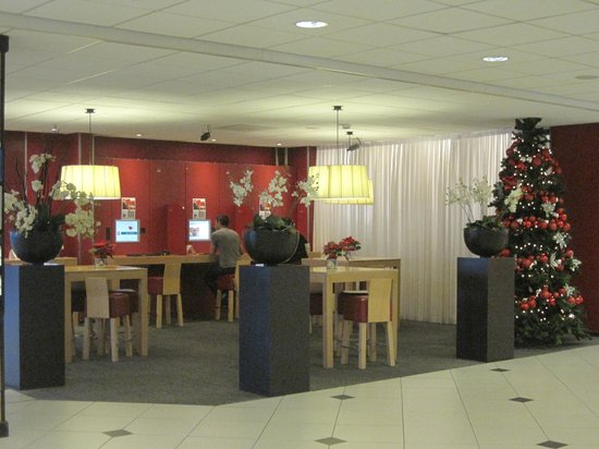 Hotel ibis Amsterdam Airport: lobby in hotel