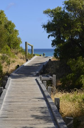 Pullman Bunker Bay Resort Margaret River Region : Walking down to the beach private access from Hotel