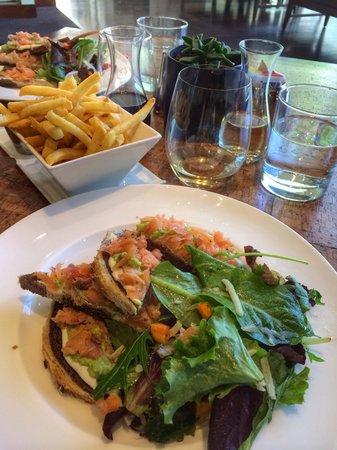 Province Urban Kitchen & Bar : salmon sandwich