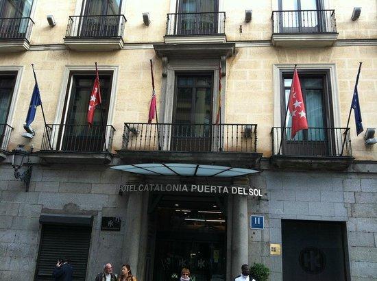 Catalonia Puerta del Sol: facade