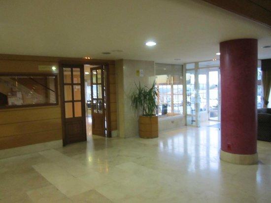 Hotel Santa Lucia: холл