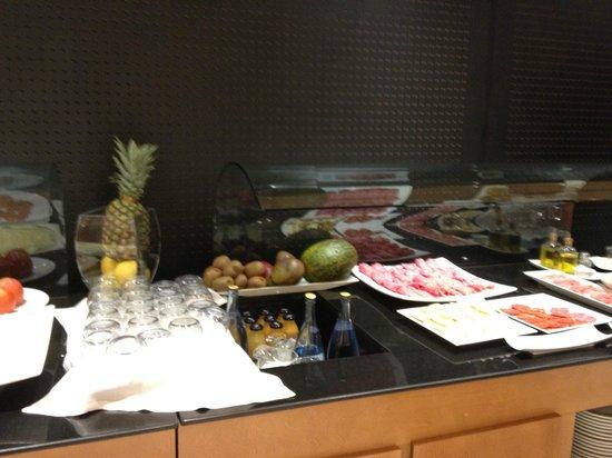 Tryp Hotel Rincon de Pepe: Breakfast