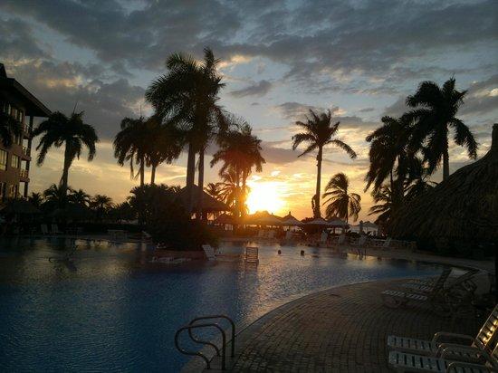 Zuana Beach Resort: Atardeder