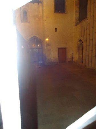 McGee's Ghost Tours of Prague: Orb at nunnery