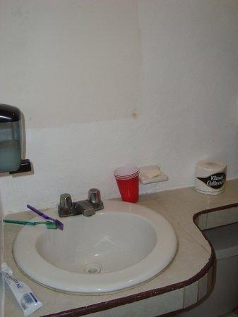 Amelie Tulum: Baño sin espejo