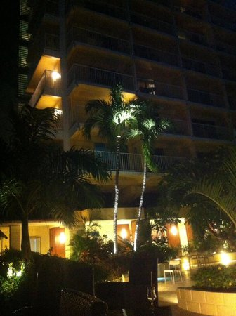 Radisson Aquatica Resort Barbados: By night