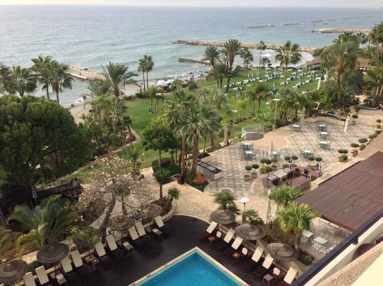 Amathus Beach Hotel Limassol: view from our balcony