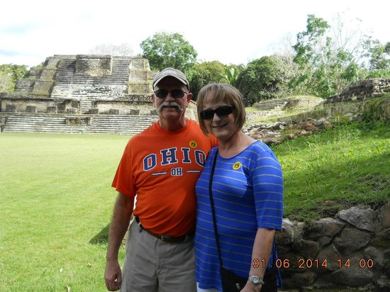 Altun Ha Ruins: awestruck couple