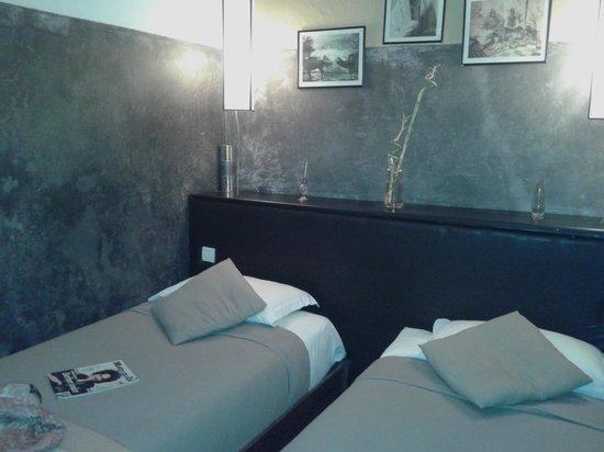 Art Riad: Moderno diseño de la habitación y del baño.