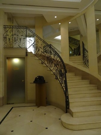 Majestic Hotel & Spa Barcelona: stairs