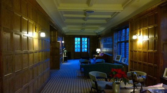 Grays Court Hotel: A view of the Gallery