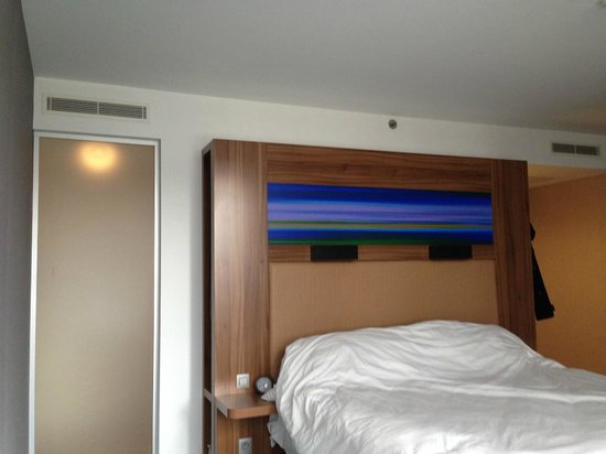 Aloft Brussels Schuman Hotel: Κρεβάτι με πολύ καλό στρώμα