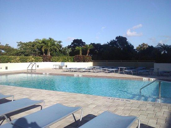 Fort Lauderdale Marriott North: Pool area