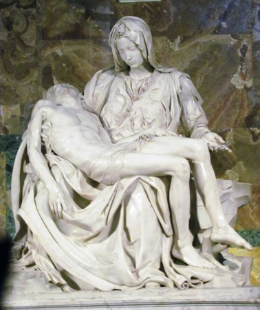 Avventure Bellissime Rome : Michael Angelo's The Pieta Statue
