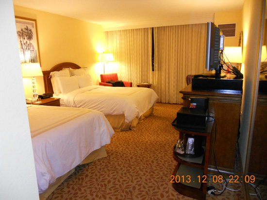 Fort Lauderdale Marriott North: Inside the room