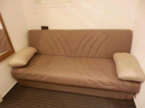 Bavaria Hotel Münchner Hof: divano ingresso