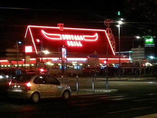 Park Inn by Radisson Lille Grand Stade : Local steakhouse.