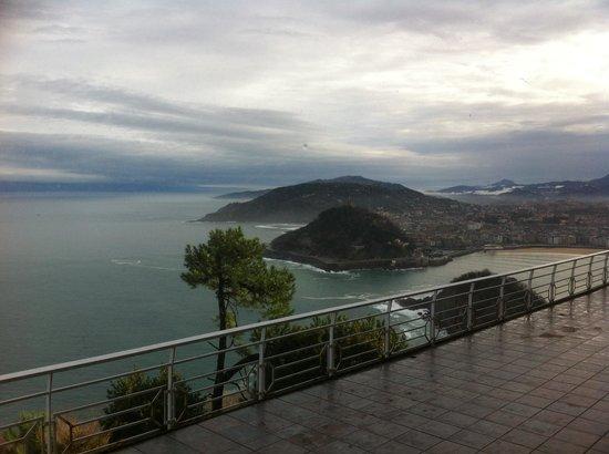 Mercure Monte Igueldo : View from the balcony up the coast past San Sebastian