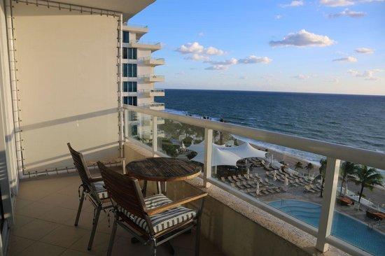 The Ritz-Carlton, Fort Lauderdale: Patio Views - Ocean View Room