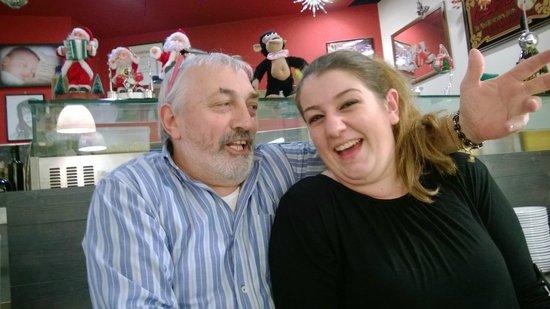 Agli Amici : Paolo con una delle cameriere...simpaticissimi