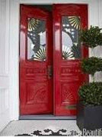 """Nelson's: TeeG """"The Red Door"""""""