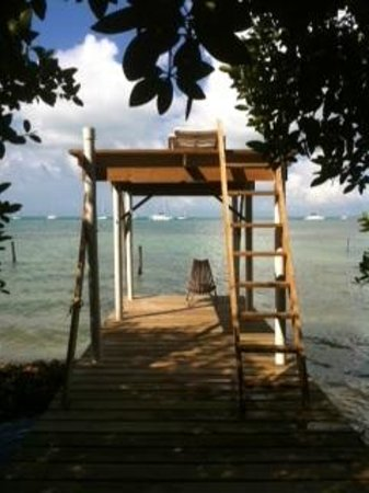 PAUSE Hostel : Back dock
