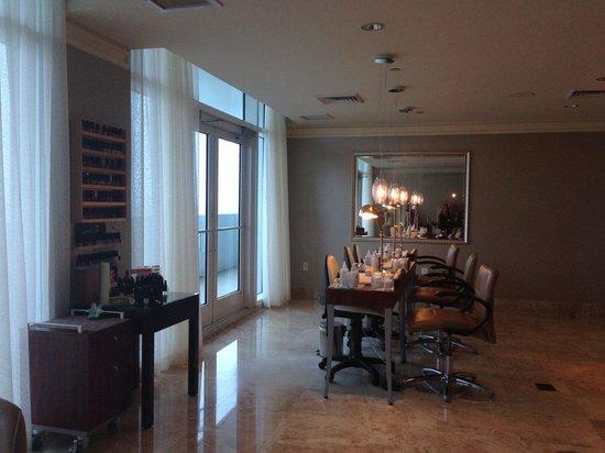 The Ritz-Carlton, Fort Lauderdale: Nail Salon in Spa Area