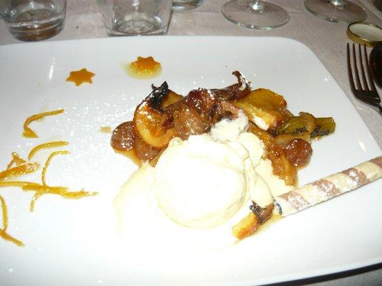 Gli Orti di via Elisa : Macedonia di frutta caramellata con gelato alla crema
