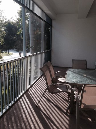 Olde Marco Island Inn and Suites : Large balcony