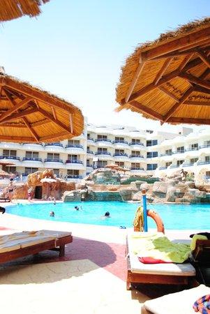Hurghada SeaGull Beach Resort: главный бассейн в старои Сегалле