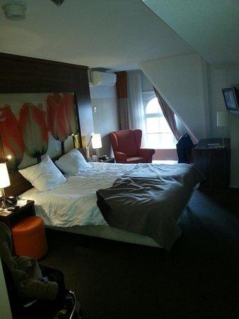 Hampshire Hotel - Eden Amsterdam : 5th floor bedroom
