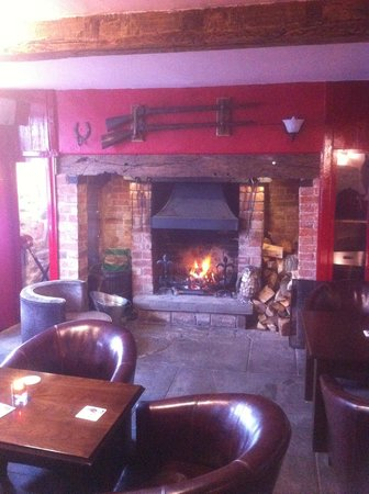 Armouries Arms: nice and cosy on a cold day or night