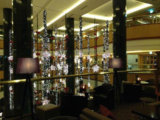 JW Marriott Hotel Seoul : Lobby with Chrismas decorations