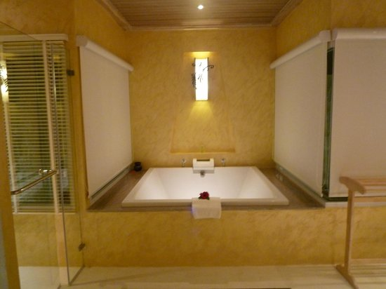 Bandara Resort & Spa : Pool Villa Suite bath