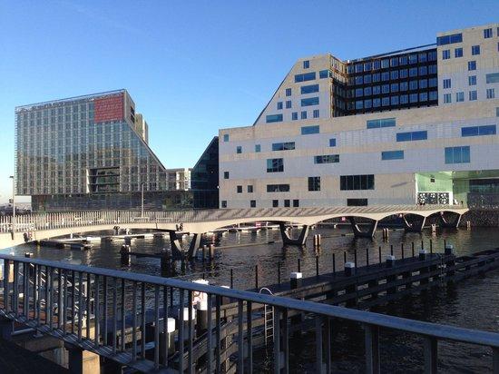 Room Mate Aitana : L'hôtel est le bâtiment sur la gauche