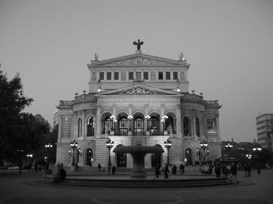 Alte Oper at dusk