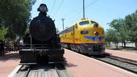 Perris, CA: Engines at OERM