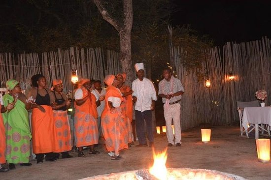 Dulini River Lodge: dancing