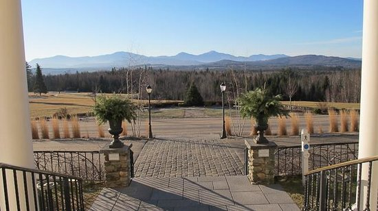 Mountain View Grand Resort & Spa: View from the front door