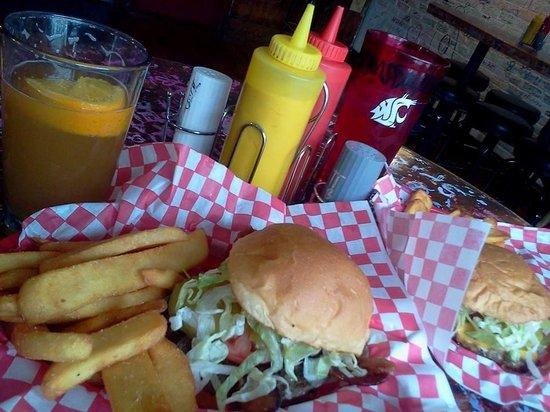 Cougar Cottage: Coug burger special $6.59
