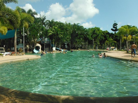 BIG4 Adventure Whitsunday Resort: Pool Area with Two Slides