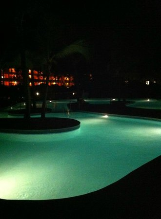 Iberostar Punta Cana: Pool at night