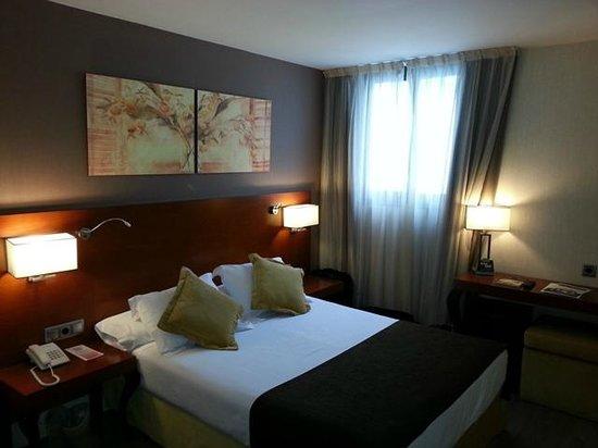 Hotel Puerta de Toledo: Habitación