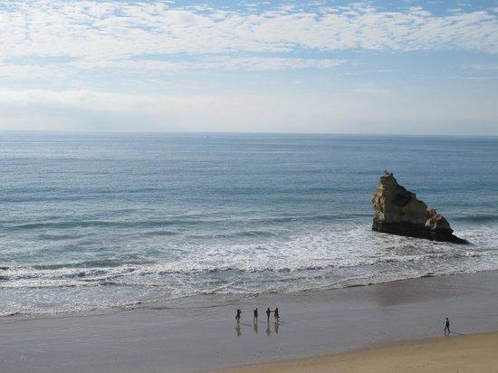 A Casa da Rocha : view down the beach