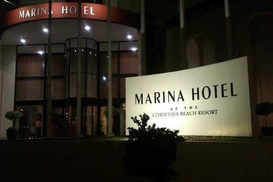 Marina Hotel Corinthia Beach Resort: the entrance of the hotel,restaurant
